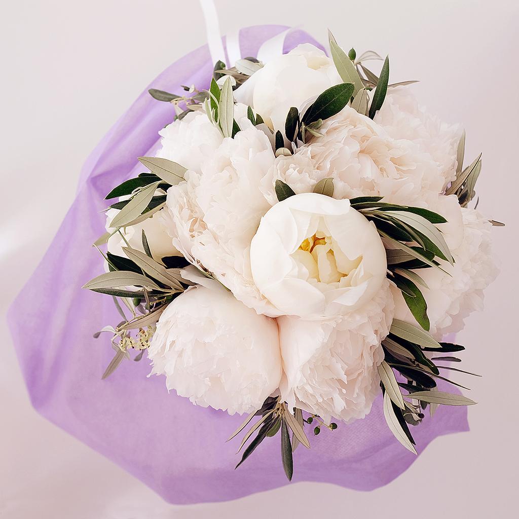 Destination wedding in island paros decoration flowers
