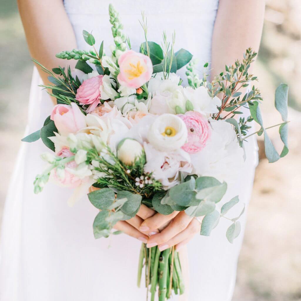 pink white bridal bouquet