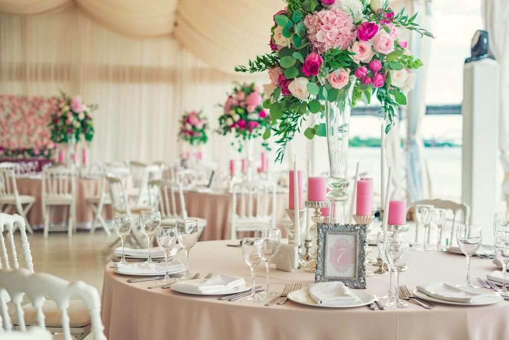 pink hydrangea roses centerpiece