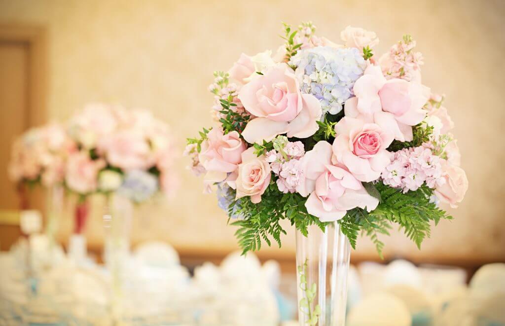hydrangea roses pastel luxurious centerpiece