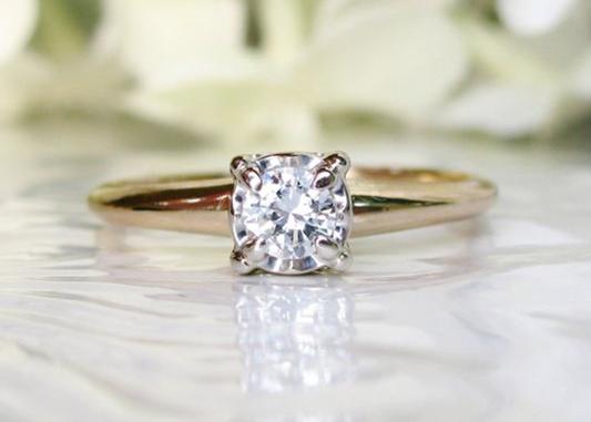 engagement ring illusion
