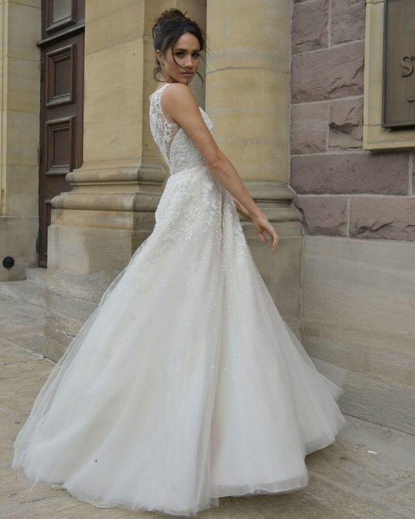 meghan wedding dress