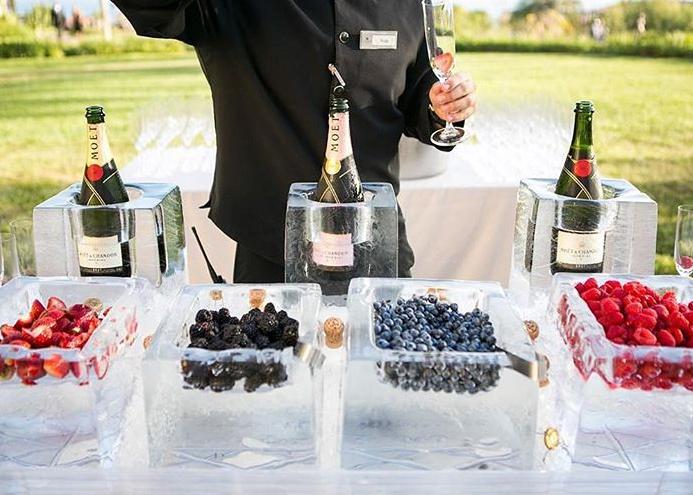 mimosa wedding bar idea