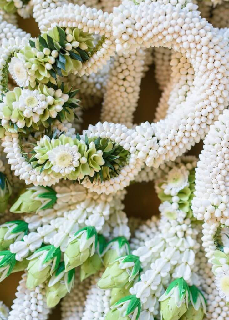 Iran wedding tradition white floral garlands