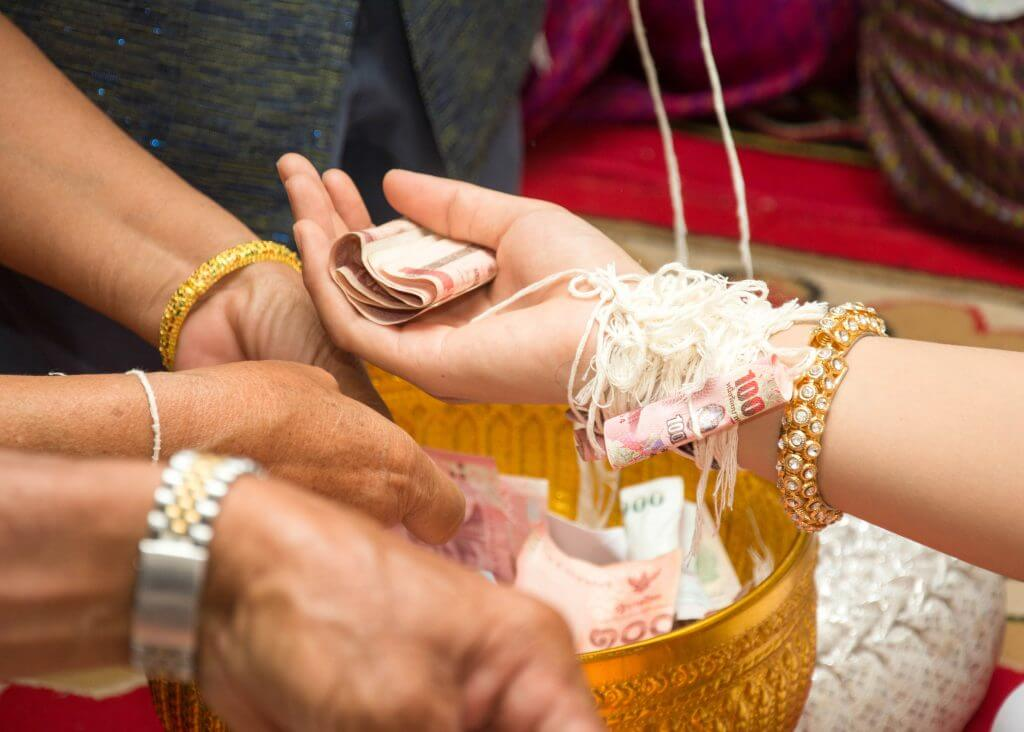Cuba wedding tradition pin money