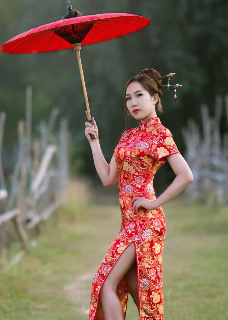 Chinese wedding tradition red