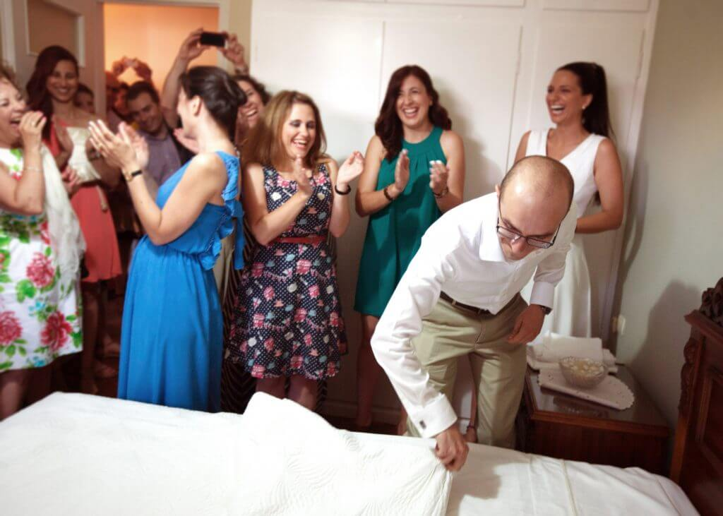 Greek wedding tradition making the bed