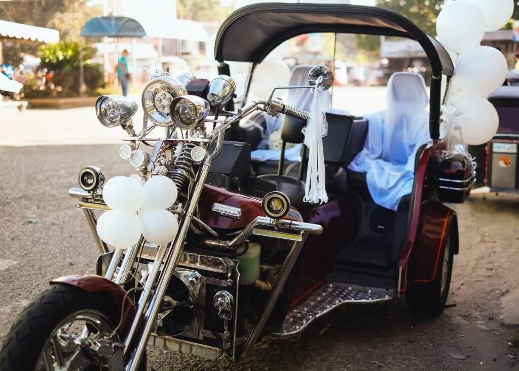 Motorbike wedding transportation idea
