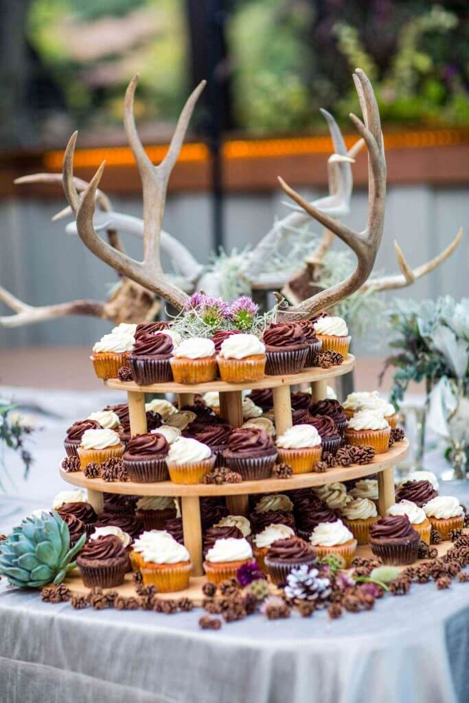 Make Happy Memories Wedding Corners Cupcakes