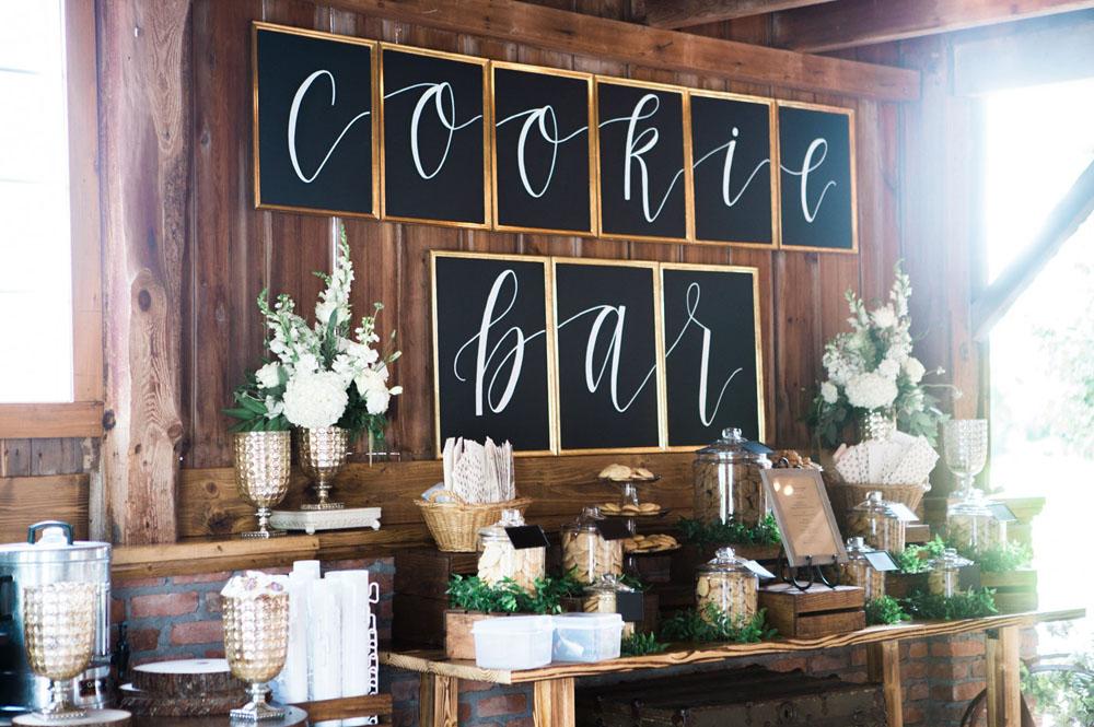Make Happy Memories Wedding Corners Cookies
